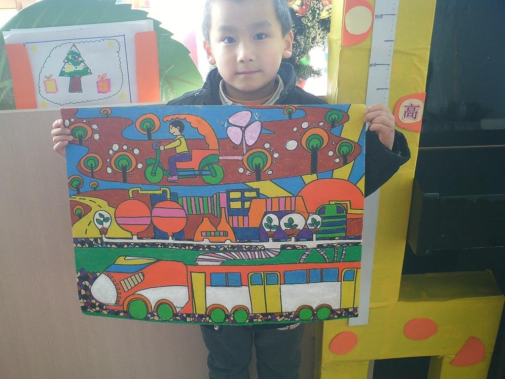 """在12月里,我们美墅幼儿园的全体中班和大班的孩子们在老师的宣传和动员下,开展了有意义的环保绘画活动。本次活动的主题是""""倡导低碳生活共建绿色家园""""围绕活动的主题。老师们开展了环保课堂教育,孩子们不仅了解到地球环境的危机还增加了更多的环保常识。从同学们一张张充满真诚和爱心的画里,我们看到了孩子们对人类的未来将面临的困境无比担忧,也看到了他们用画笔表达出稚嫩童心发出的呼唤请人类善待我们的地球家园!"""