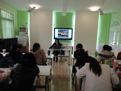 绿洲艺术幼儿园大组培训活动——走进角色游戏