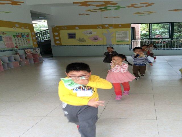 金山豪庭幼儿园:119消防安全演练活动