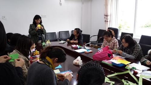 怎么做一名合格教师_幼儿教师要培训主题 如何做一名合格的幼儿教师-