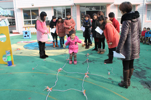 北堡幼儿园开展自制体育器械展示活动