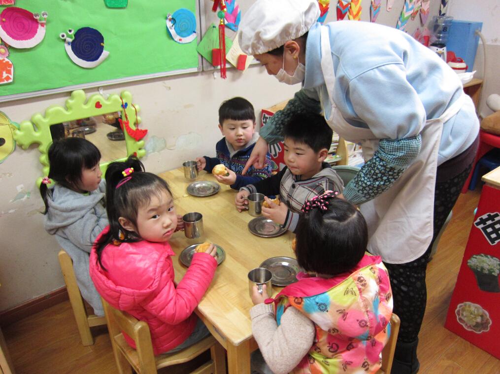 长三幼儿园开展保育员专业技能活动