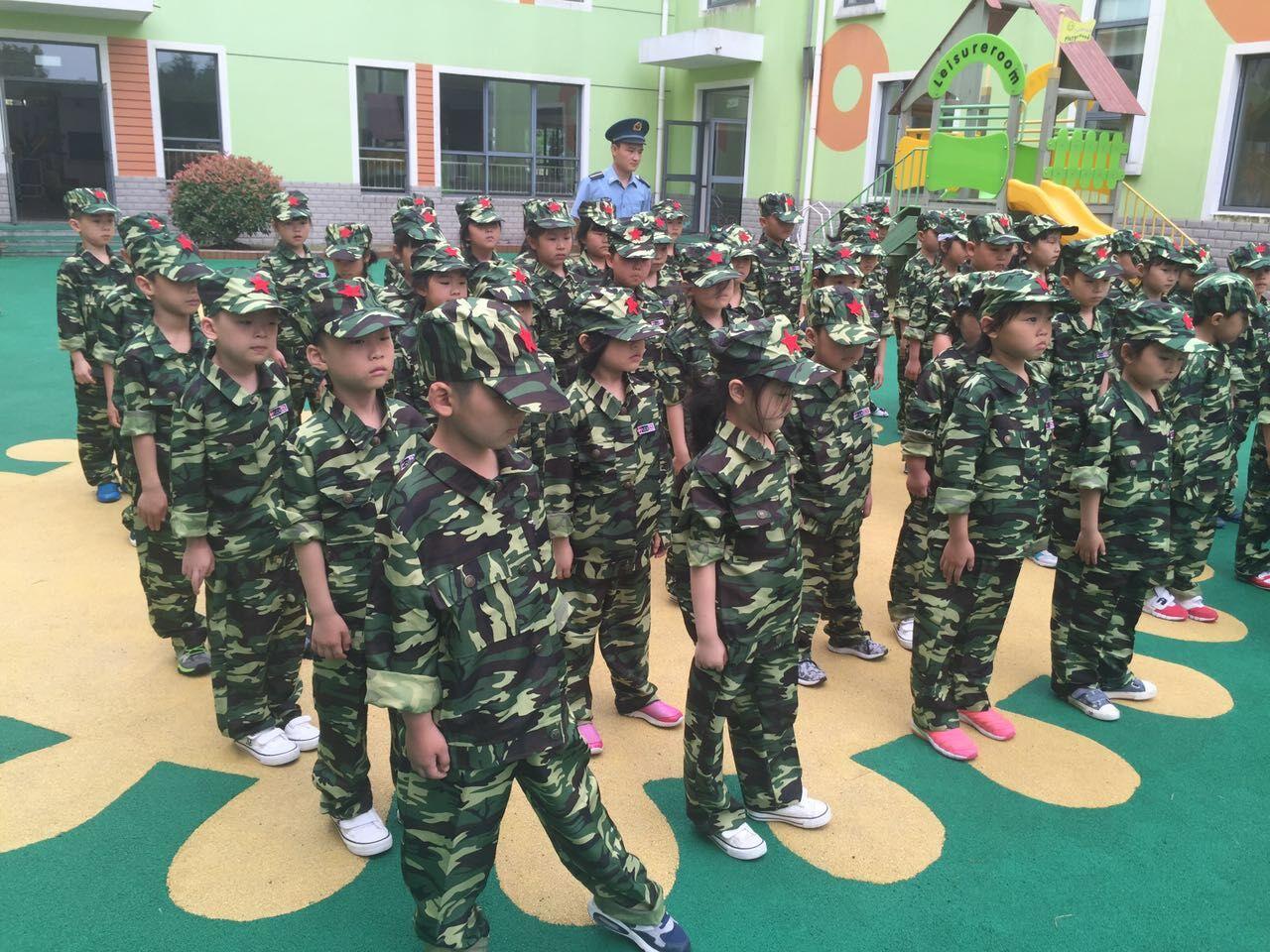 实验幼儿园大班幼儿开展学军活动