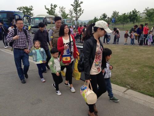 亲近自然,感受春天——记泗泾幼儿园中班组辰山植物园