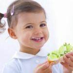 """给宝宝吃些""""脂肪""""益健康"""