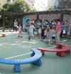 中班运动:纸芯桶的平衡游戏