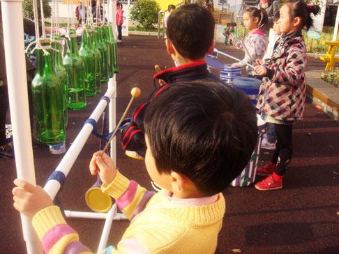 四团幼儿园大班瓶玩游戏 一