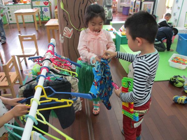 幼儿纸盒手工制作衣服