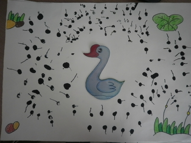 幼儿园手指印画小蝌蚪分享展示
