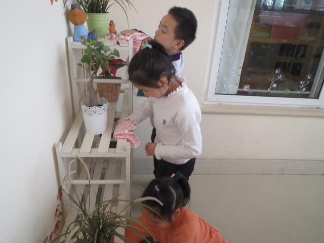 幼儿园小班穿鞋步骤
