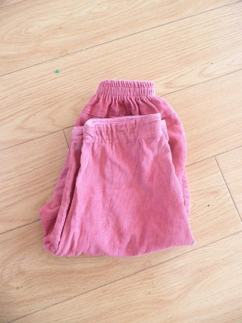 折叠衣服和裤子 -信息详细 嘉定镇沙霞幼儿园