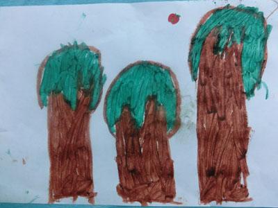 《小树长大了》这节美术活动是让幼儿初步尝试用图形组合的方法画小树