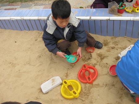 幼儿玩沙简笔画