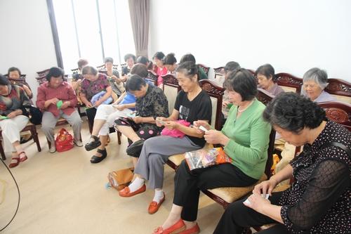 东风幼儿园举行退休教师庆祝重阳节活动