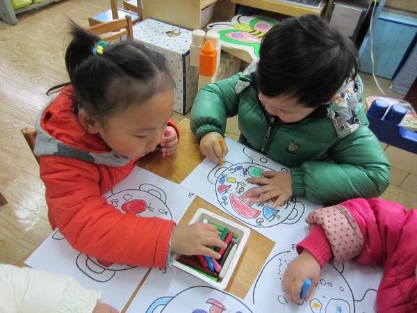 幼儿园手工一次性手套胡萝卜制作大全