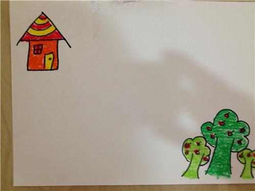 步骤一:幼儿独自画房子和树