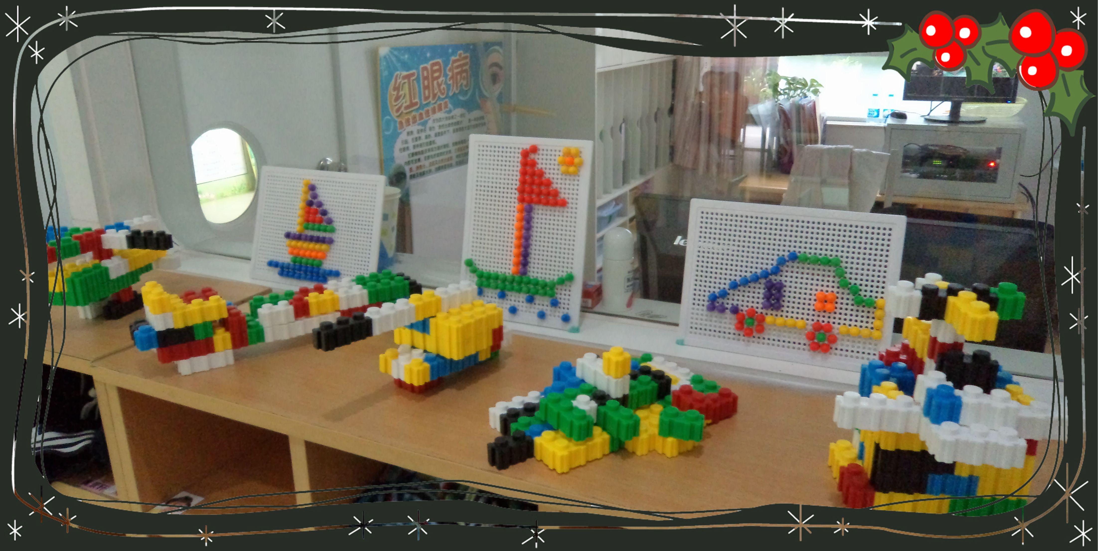 小朋友用各种积木制作的交通工具
