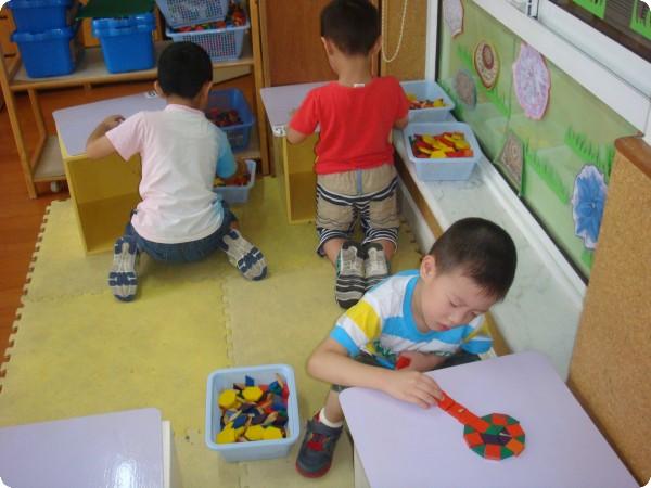 幼儿拿筷子简笔画