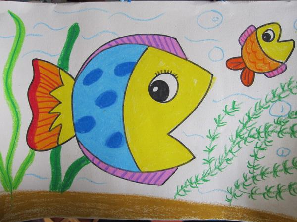 优秀海底世界儿童画绘画作品-小鱼和大鱼(5)