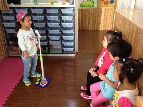 幼儿园手工制作 舞台话筒