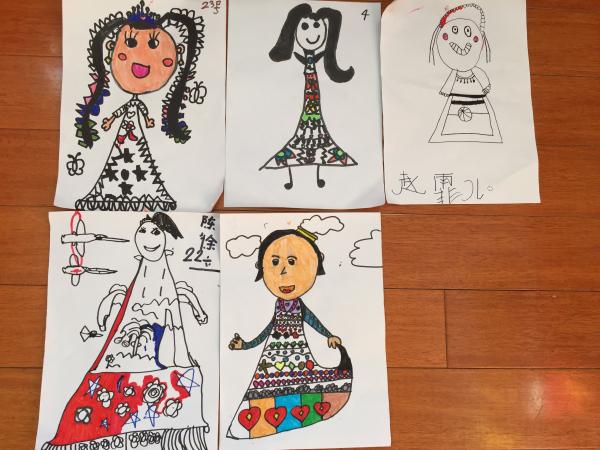 园所主页 班级主页 中2班1202 快乐园地  美术——民族娃娃