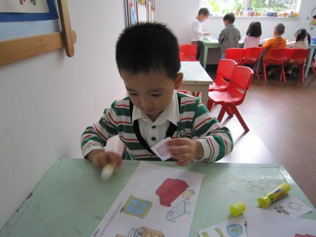 幼儿整理物品卡通图片