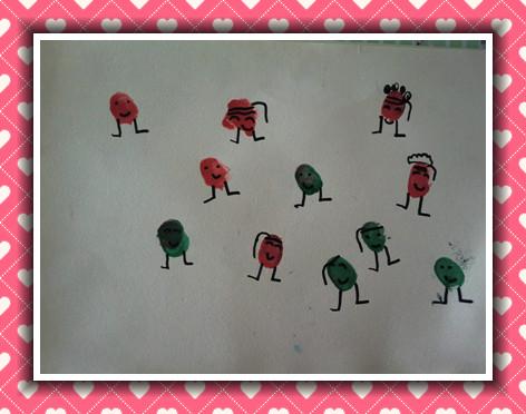 幼儿作品  主题:本周我们画的是《小人国》,运用颜料,宝宝手指蘸上
