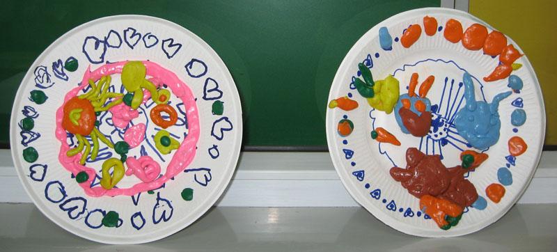 艺术专栏   昨天,美术活动中,孩子们一起用彩泥
