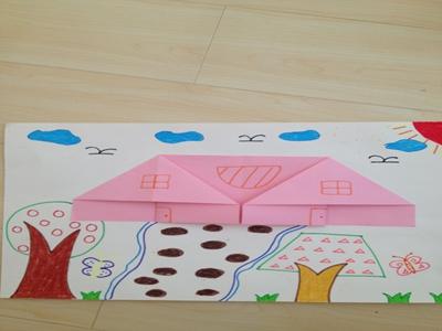 重点:学习用正方形的纸这房子