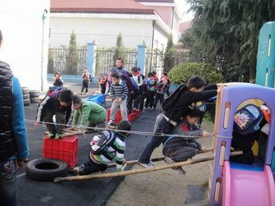 幼儿园油桶制作的体育器械图片