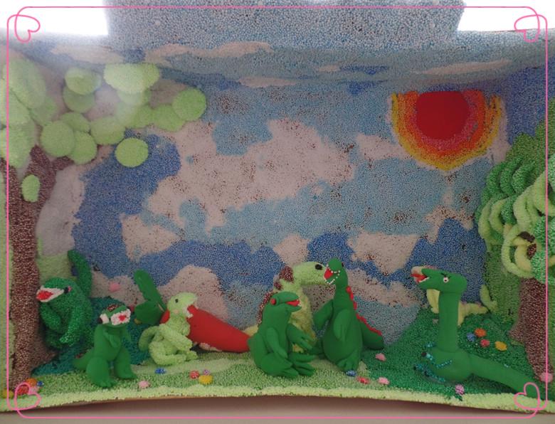 园所主页 总园大三班 宝贝小巧手  泥工:我们的恐龙馆   相关附件