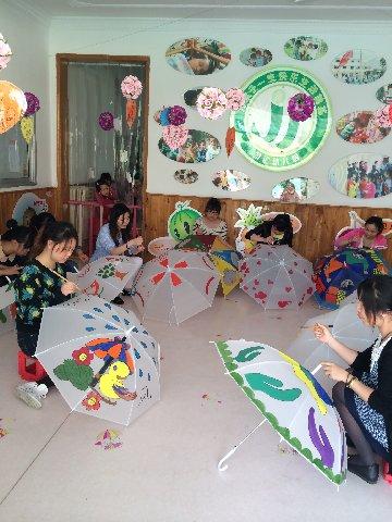 """金汇幼儿园""""红十字伞面画""""创作展示活动"""