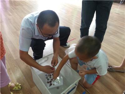 幼儿园手工制作创意飞行器