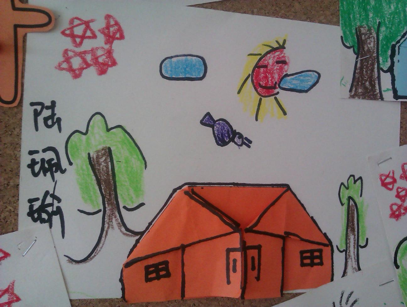 第二次是添画小房子的背景啦——蓝天白云小鸟树