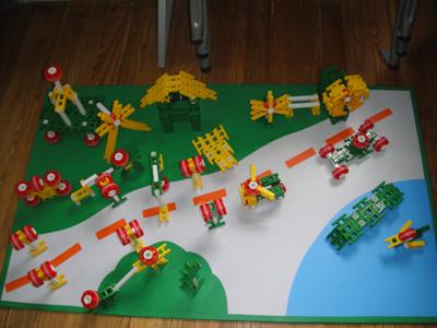 """在个人组比赛中,以""""各式各样的汽车""""为建构主题,小朋友充图片"""