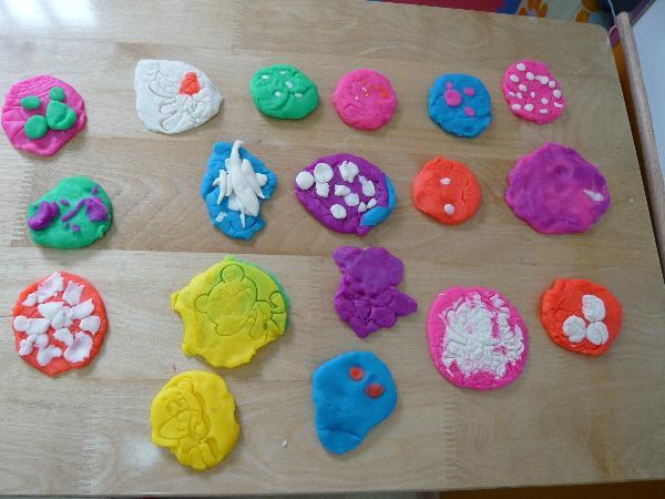 幼儿园橡皮泥月饼做法步骤