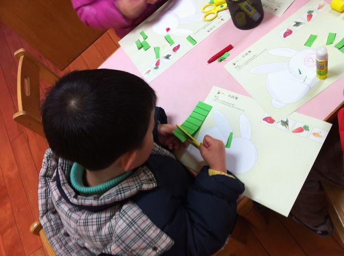幼儿园简单废箱子手工制作