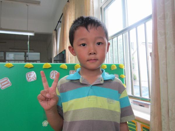 大家好,我叫刘仕泽.我非常喜欢帮助别人.