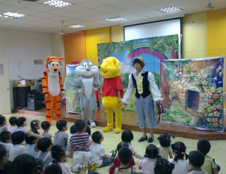 第一次在幼儿园看木偶戏