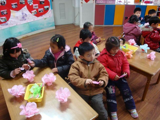 幼儿园手工制作康乃馨过程