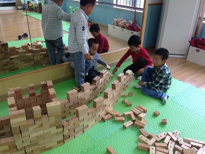 合作用积木搭建长城