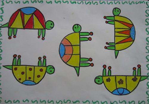 让孩子尝试用不同方向的 半圆表现小乌龟爬行,摔跤,学溜冰的
