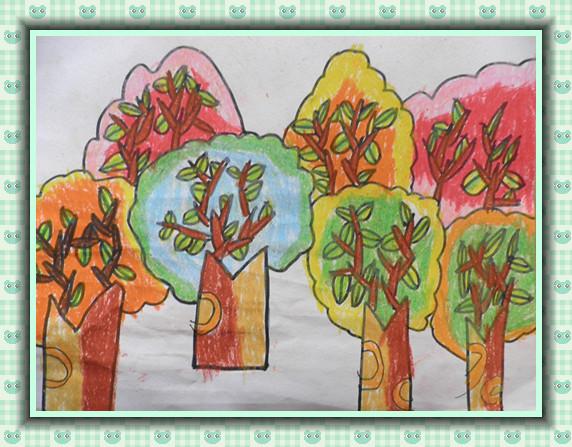 但唯有秋天的小树林是色彩最多的哦!