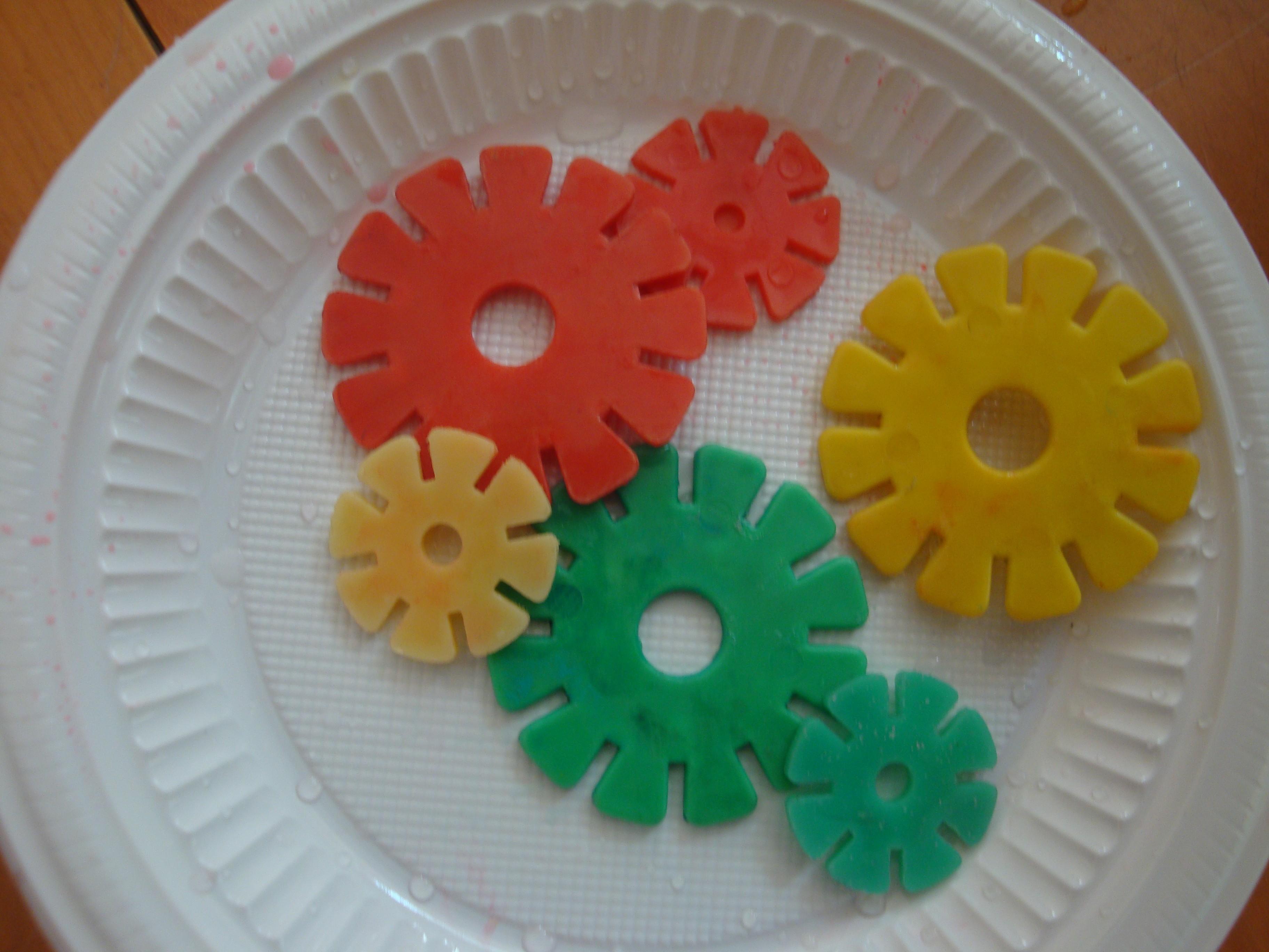 幼儿园小花剪纸步骤