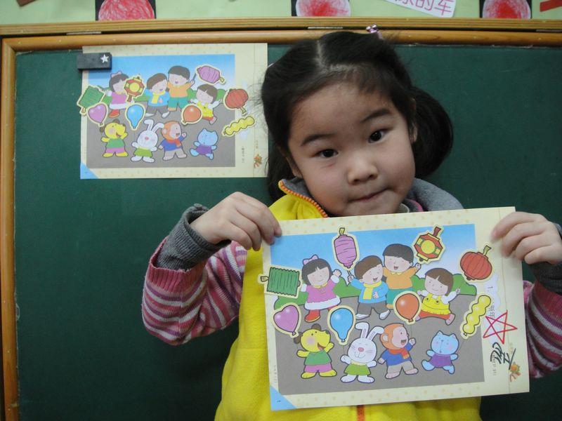 幼儿绘画小动物过新年图片