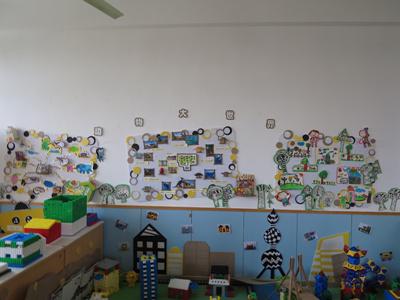 有展示幼儿与家长一起制作的各种栩栩如生的动物;有幼儿的美术作品