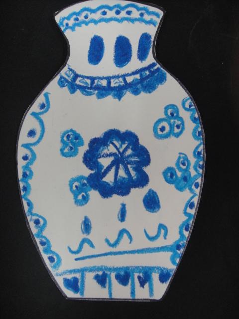 简单幼儿青花瓷瓶子画分享展示
